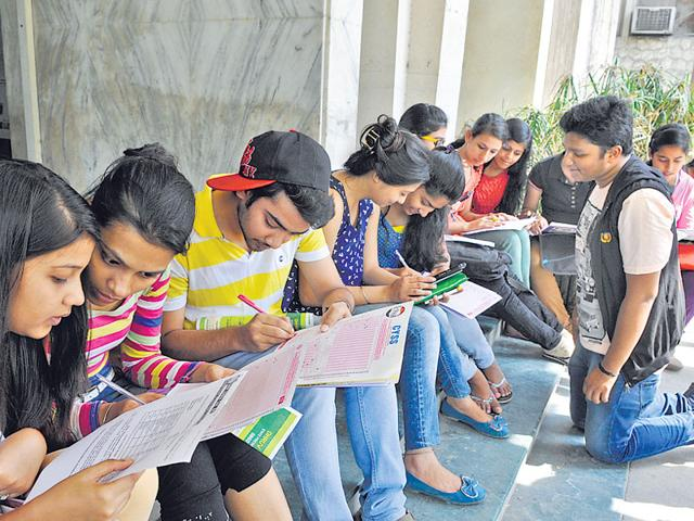 There-is-also-a-decline-in-number-of-students-registering-for-engineering-entrance-exam-this-year-Sushil-Kumar-HT-Photo