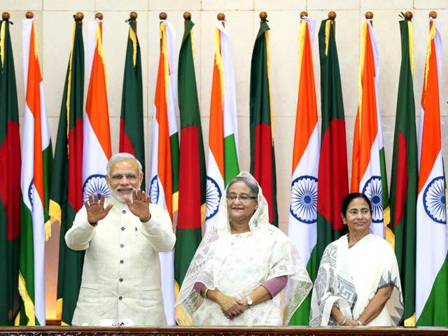 Prime-Minister-Narendra-Modi-gestures-as-Bangladesh-s-Prime-Minister-Sheikh-Hasina-and-West-Bengal-chief-minister-Mamata-Banerjee-look-on-during-the-Indian-PM-s-visit-to-Bangladesh-AP-Photo