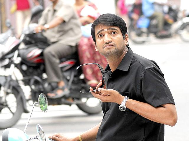 Case filed against Tamil actor Santhanam for indulging in a fist fight with a BJP party member
