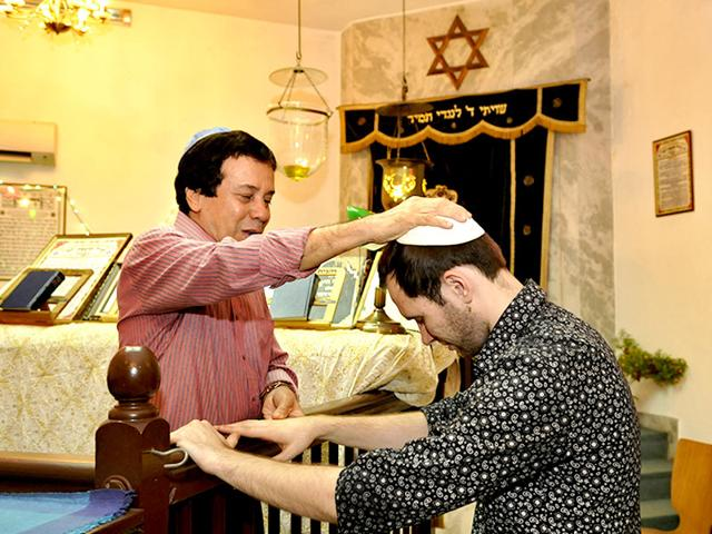Officiating-Rabbi-Ezekiel-Issac-Malekar-blesses-a-devotee-at-the-Judah-Hyam-Synagogue-in-New-Dehi-after-Friday-s-Sabbath-prayer-Saumya-Khandelwal-HT-Photo