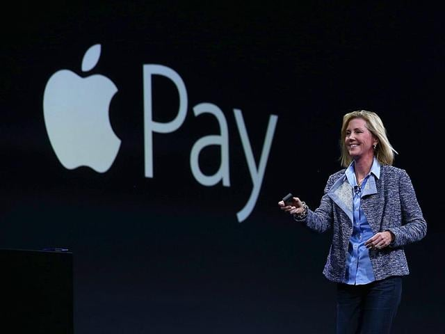 Apple-Vice-President-of-Worldwide-Online-Stores-Jennifer-Bailey-speaks-about-Apple-Pay-during-Apple-WWDC-2015-AFP-Photo