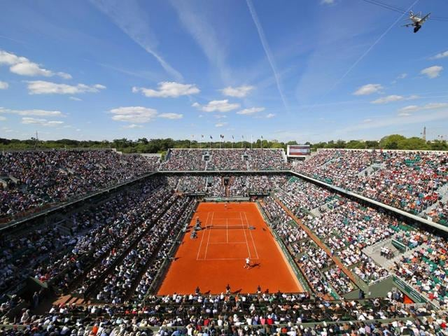 A-view-of-court-Philippe-Chatrier-as-France-s-Richard-Gasquet-plays-his-third-round-men-s-singles-match-of-the-French-Open-against-South-Africa-s-Kevin-Anderson-in-Paris-France-on-May-30-2015-AP-Photo