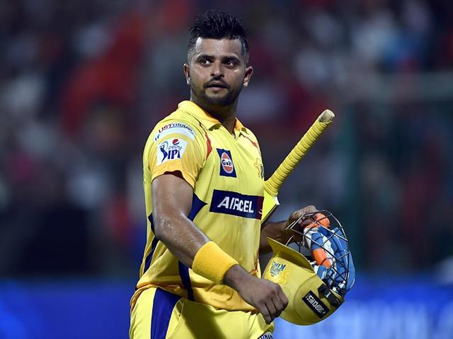 Suresh-Raina-of-Chennai-Super-Kings-in-action-against-Royal-Challengers-Bangalore-during-an-IPL-Season-8-match-at-M-Chinnaswamy-Stadium-in-Bangalore-India-on-Wednesday-April-22-2015-Vipin-Kumar-HT-Photo