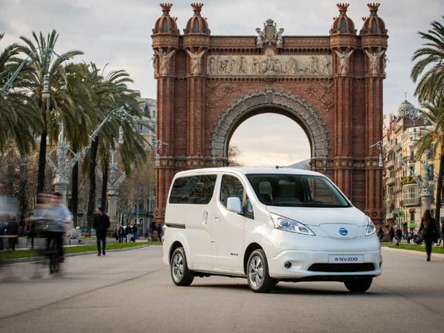 The-first-fully-electric-car-to-go-on-sale-with-seating-for-seven