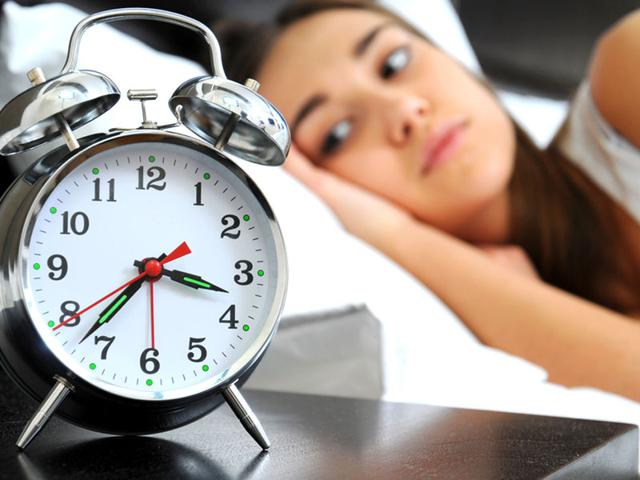 Keep-your-eyes-wide-open-repeat-to-yourself-I-will-not-sleep-The-brain-doesn-t-process-negatives-well-so-it-interprets-this-as-an-instruction-to-sleep-and-eye-muscles-tire-quickly-as-sleep-creeps-up-Shutterstock