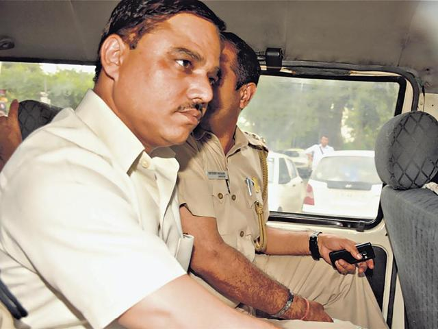 Jitender Singh Tomar,Delhi ex-law minister gets bail,fake degree case