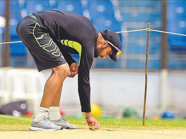 India-Test-skipper-Virat-Kohli-is-likely-to-go-in-with-five-specialist-bowlers-for-the-one-off-test-match-against-Bangladesh-starting-on-June-10-2015-AFP-Photo