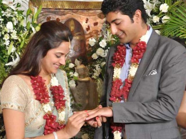 Ahana-Deol-and-Vaibhav-Vora-exchanging-rings