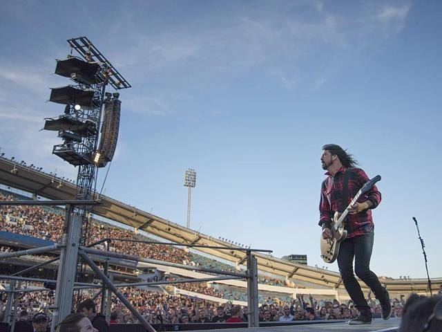Foo-Fighters-Dave-Grohl-reportedly-fell-off-the-stage-and-broke-his-leg-during-the-band-s-concert-at-Nya-Ullevi-in-Goteborg-Sweden-on-Friday-June-12-2015-AP-Photo