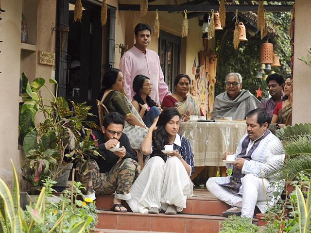 Soumitra Chatterjee's Bela Seshe to get a global release