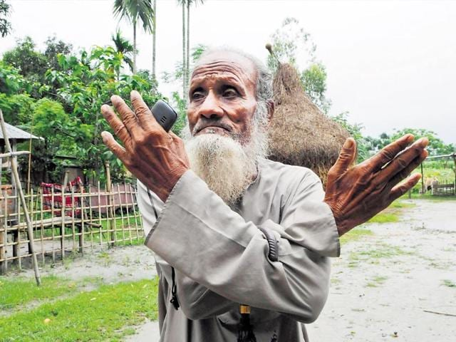Mohammad-Mansur-Ali-a-resident-of-the-Poatur-Kuthi-village-enclave-south-of-Cooch-Behar-is-now-legally-Indian-after-the-Landy-Boundary-Agreement-between-India-and-Bangladesh-Subhendu-Gohsh-HT-Photo