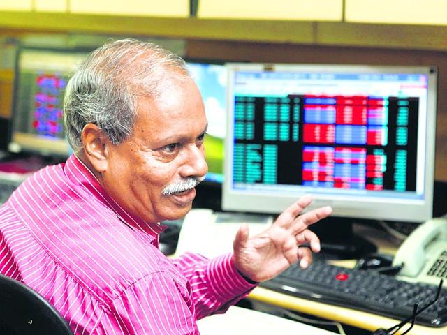 The-same-data-is-available-to-everyone-The-difference-lies-in-the-emotions-involved-says-Alan-Lawrence-Pratham-Gokhale-HT-photo