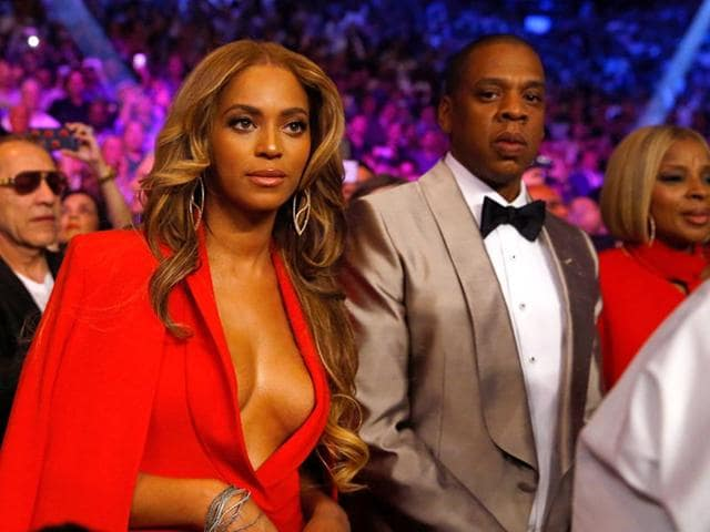 Beyonce-Knowles-and-Jay-Z-attend-the-welterweight-unification-championship-bout-on-May-2-2015-at-MGM-Grand-Garden-Arena-in-Las-Vegas-Nevada-AFP