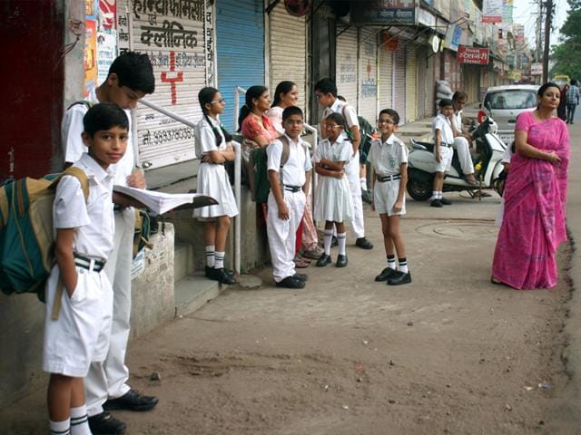 Punjab schools told to hire 10% additional drivers, conductors