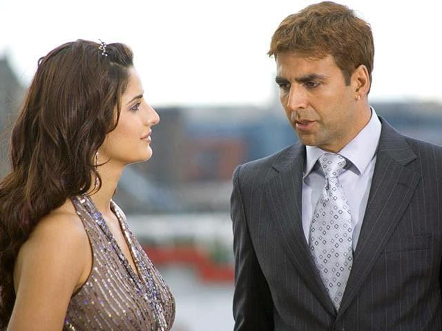 Katrina-Kaif-and-Akshay-Kumar-in-a-still-from-Namastey-London