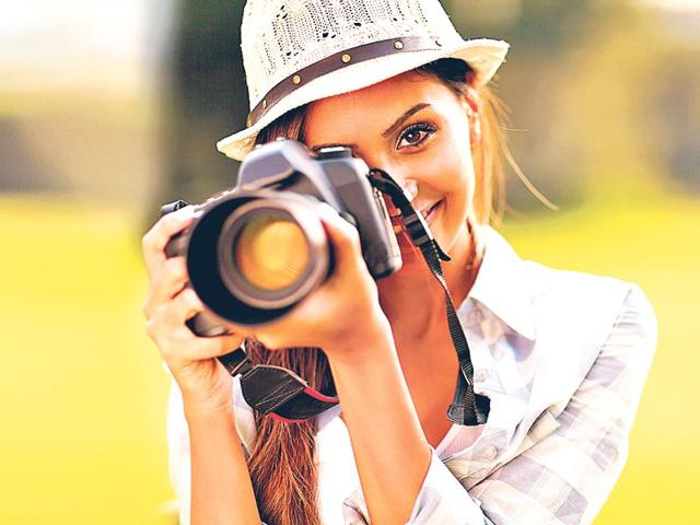 Make-sure-you-Facebook-profile-picture-is-as-flattering-and-compliment-inducing-as-you-need-it-not-be-Thinkstock