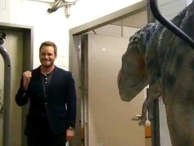 Chris-Pratt-didn-t-see-the-dinosaurs-coming-YouTube