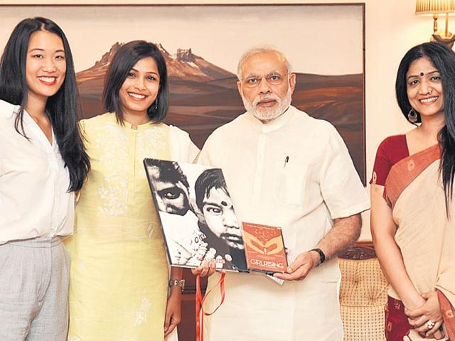 PM-Modi-with-Girl-Rising-representatives-including-Freida-Pinto-2nd-from-left-PIB-Photo