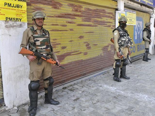 Srinagar,Muslims,Kashmir valley