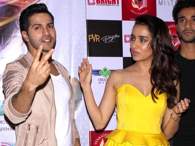 Varun-Dhawan-Raghav-Juyal-and-Shraddha-Kapoor-at-a-press-conference-for-their-film-ABCD-2-in-New-Delhi-Photo-IANS