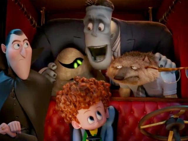 The-Drac-Pac-is-back-in-Hotel-Transylvania-2-YouTube