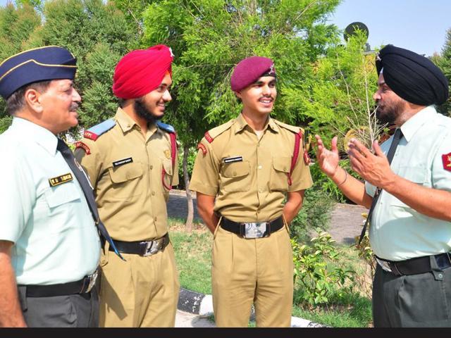 BS-Grewal-director-in-turban-interacting-with-students-during-alumni-meet-at-Maharana-Ranjit-Singh-Armed-Forces-Preparatory-Institute-in-Mohali-Karun-Sharma-HT