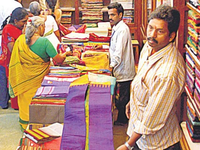 Nalli silks,Chennai,Online retailers vs Brick-and-Mortar retailers