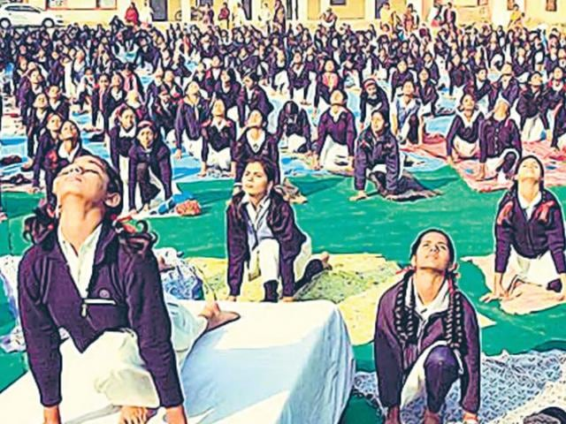 Preparations-for-the-mass-yoga-demonstration-at-the-Moinul-Haq-Stadium-HT-Photo