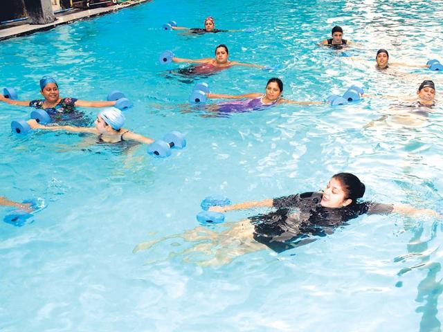 Make a splash: 5 indoor aqua exercises you must try!