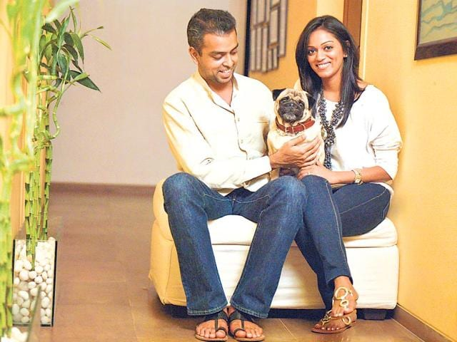Milind-Deora-and-his-wife-Pooja-Shetty-Deora-with-their-pet-pug-Muddy-HOJO