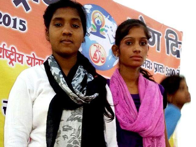 Reshma-Khatoon-and-Bismillah-Khatoon-want-to-give-yoga-lessons-to-Prime-Minister-Narendra-Modi-and-President-Pranab-Mukherjee-HT-Photo