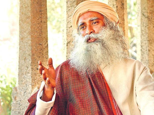 Celebs-seek-yoga-gyaan-from-Sadhguru-Jaggi-Vasudev-Santosh-Harhare-HT-Photo