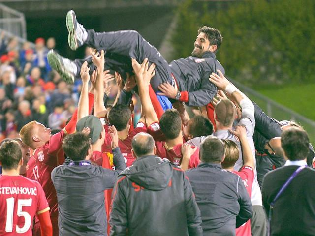 Members-of-the-Serbian-U-20-football-team-lift-their-coach-Veljko-Paunovic-into-the-air-as-they-celebrate-after-defeating-Brazil-in-the-final-of-the-U20-Soccer-World-Cup-in-Auckland-New-Zealand-on-June-20-2015-Reuters-Photo
