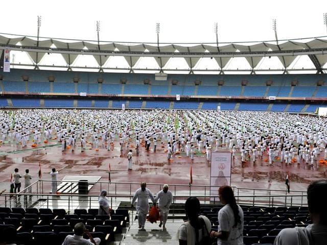 Participants-at-the-yoga-training-camp-organised-by-Baba-Ramdev-Patanjali-Yogapeeth-on-International-Yoga-Day-at-JLN-stadium-in-New-Delhi-Sushil-Kumar-HT-Photo