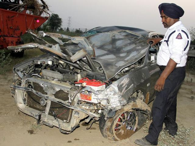 Mangled-remains-of-the-car-that-fell-into-the-Sidhwan-Canal-near-Asaram-Ashram-in-Sahnewal-on-Saturday-evening-HT-Photo