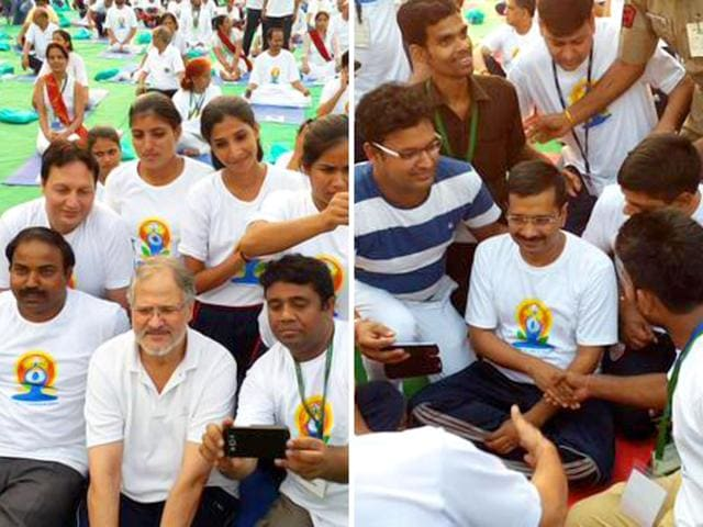 Delhi-chief-minister-Arvind-Kejriwal-and-LG-Najeeb-Jung-at-the-Yoga-Day-celebrations-at-Rajpath-Saubhadra-Chatterji-HT-Photo
