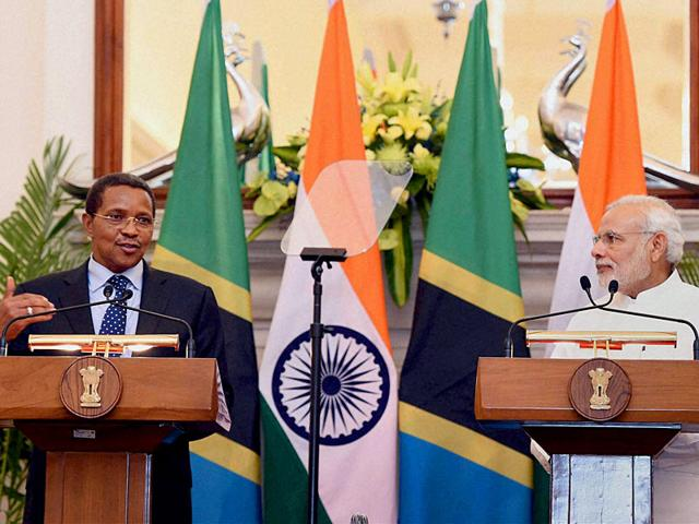 Prime-Minister-Narendra-Modi-and-Tanzania-President-Jakaya-Kikwete-at-Hyderabad-House-in-New-Delhi-on-Friday-PTI-Photo