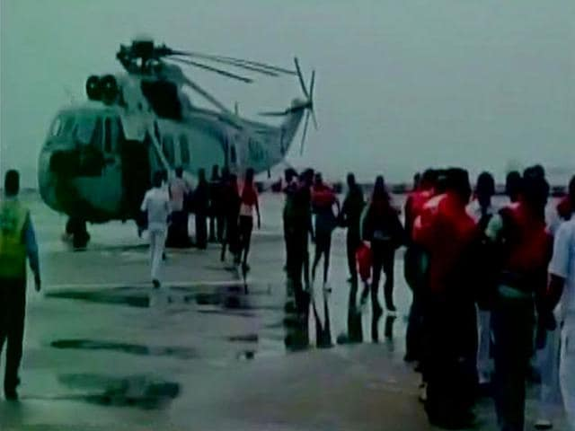 A-photo-of-navy-rescuing-crew-members-of-vessel-Jindal-Kamakshi-Source-Indian-Navy-Photo-tweeted-by-ANI