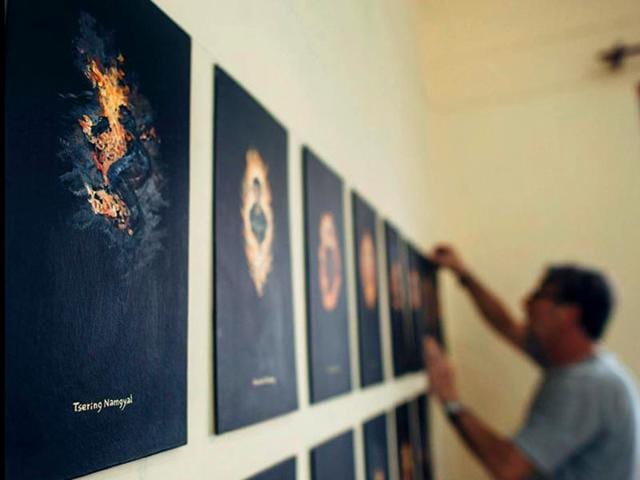 Spanish-artist-Paulo-Nubiola-s-portraits-of-Tibetan-self-immolators-on-display-in-Mcleod-Ganj