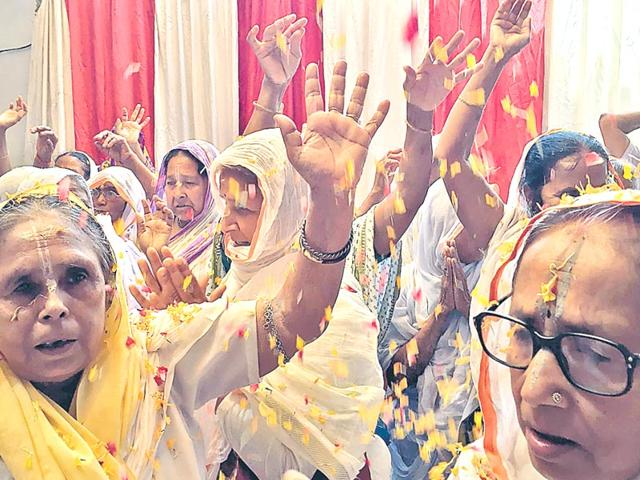 A-file-photo-of-widows-at-a-shelter-home-in-vrindavan-HT-Photo