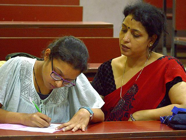 DU admissions,cutoff list,Delhi University