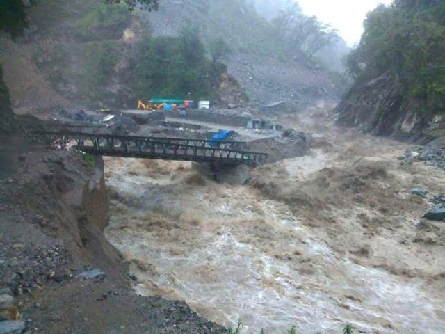 The-bridge-that-connects-Gaurikund-and-Sonprayag-en-route-to-Kedarnath-has-been-damaged-by-heavy-rains-HT-Photo