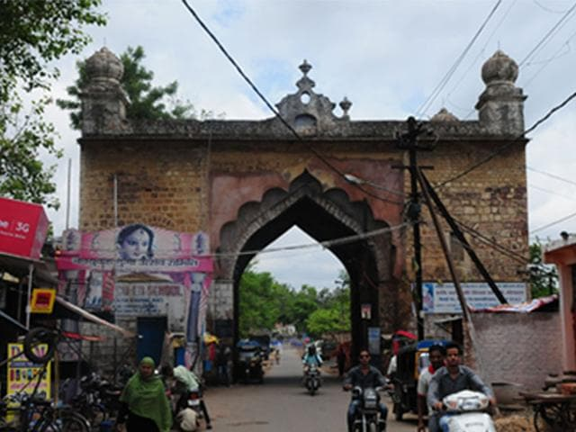 The-Dakhil-Darwaza-gate-of-the-Taj-Mahal-in-Bhopal-which-was-a-magnificent-structure-has-lost-its-sheen-due-to-the-lack-of-maintenance-encroachments-and-vagaries-of-nature-Mujeeb-Faruqui-HT-photo