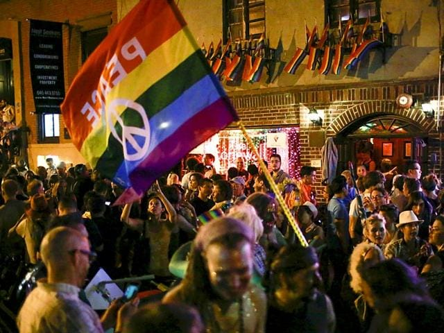 Supporters-of-gay-marriage-rally-in-front-of-the-Supreme-Court-in-Washington-The-Supreme-Court-ruled-on-Friday-that-the-US-Constitution-provides-same-sex-couples-the-right-to-marry-in-a-historic-triumph-for-the-American-gay-rights-movement-Reuters-Photo