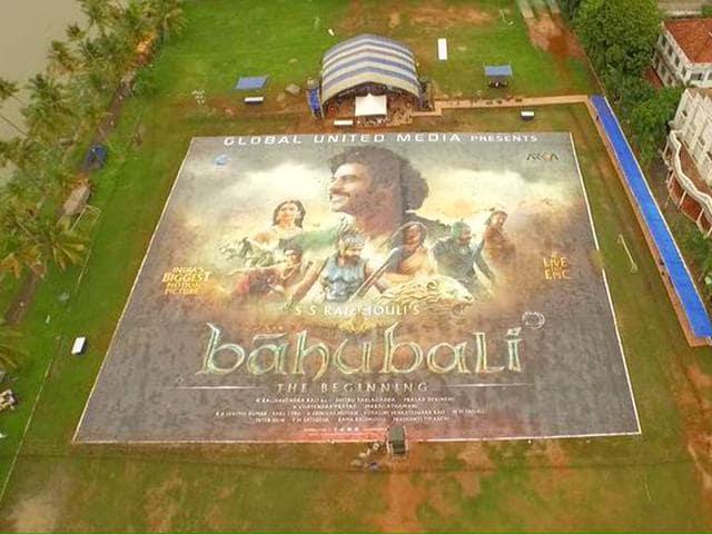 The-largest-poster-of-Baahubali-was-unveiled-in-Kochi-on-June-27-BaahubaliMovie-Twitter