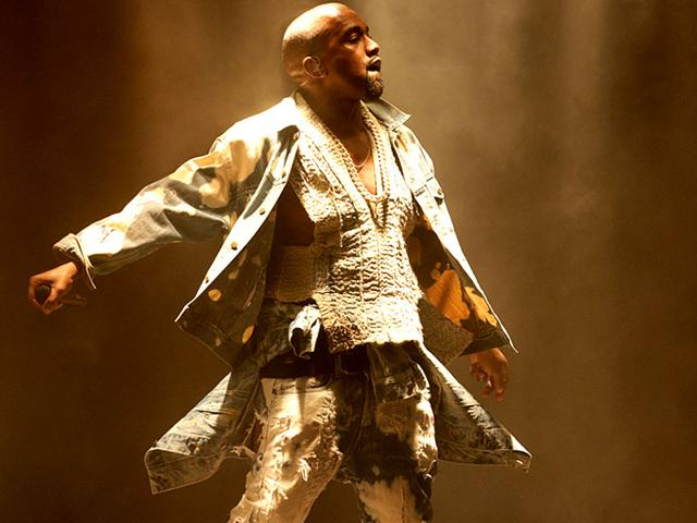 Kanye-West-delivered-a-solid-set-against-audience-backlash-at-Glastonbury-2015-AP-Photo