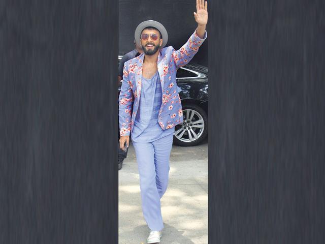 Ranveer-Singh-seen-sporting-a-floral-printed-lilac-suit