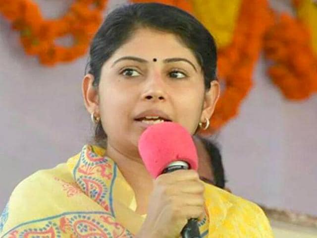 Smitha-Sabharwal-is-suing-Outlook-magazine-after-she-found-remarks-against-her-sexist-and-demoralising-in-a-recent-post-Facebook-Smitha-Sabharwal