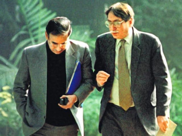 Then-RAW-chief-AS-Dulat-right-with-former-IB-chief-Shyamal-Dutta-outside-the-PMO-in-1999-Prakash-Singh-HT-File