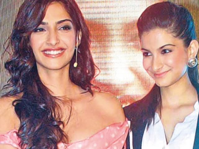 Sisters-Sonam-and-Rhea-Kapoor